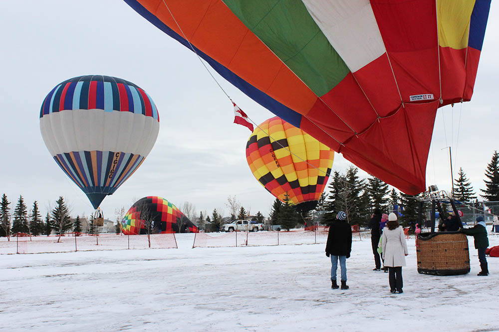 7200 Four balloons